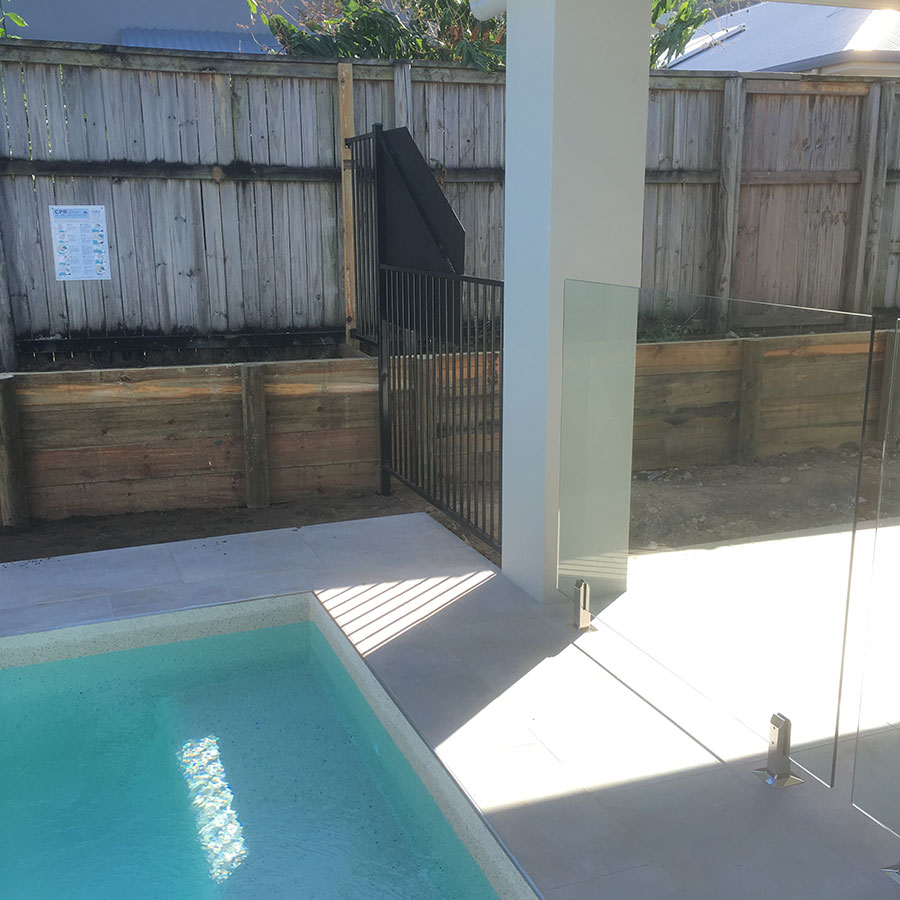 Glass Pool Fence With Aluminium Fence Modern Glass And Aluminium Fencing