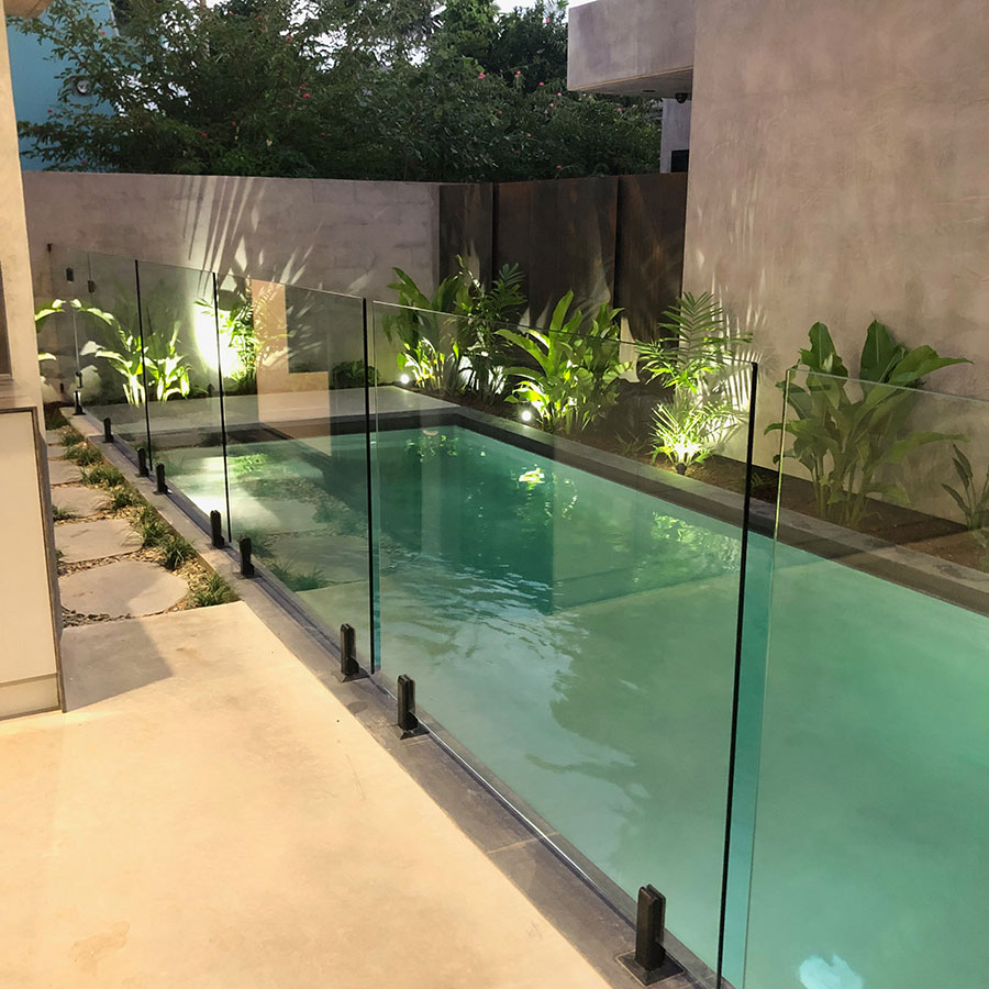 Glass Pool Fencing Cairns Modern Glass And Aluminium Fencing